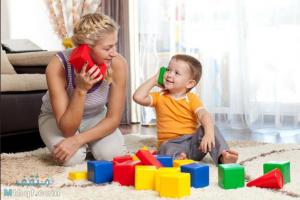 اللعب مع الطفل