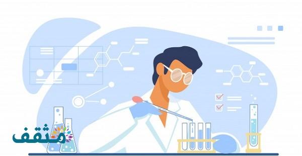 ما الذي يجب أن يقوم به الباحث بعد صياغة الفرضية العلمية؟