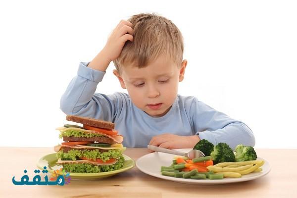 تأثير عمليات الإعداد والطهي والتخزين على محتويات الغذاء من الفيتامينات